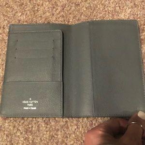 Luis Vuitton passport wallet